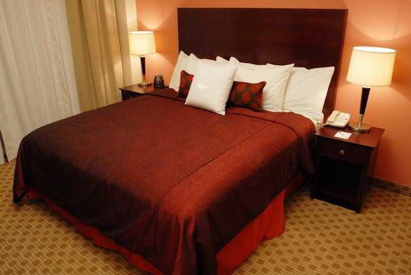 Room Homewood Suites Nashville Downtown