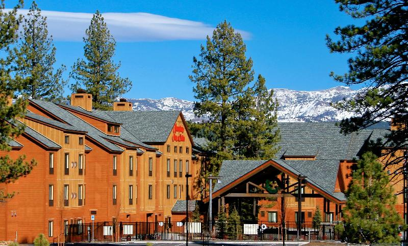 General view Hampton Inn & Suites Tahoe Truckee