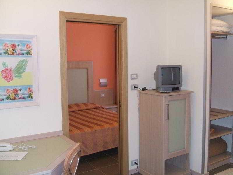 Room Mediterraneo Livorno