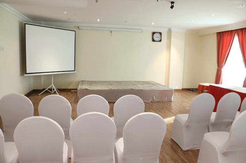 Conferences Pars International Hotel