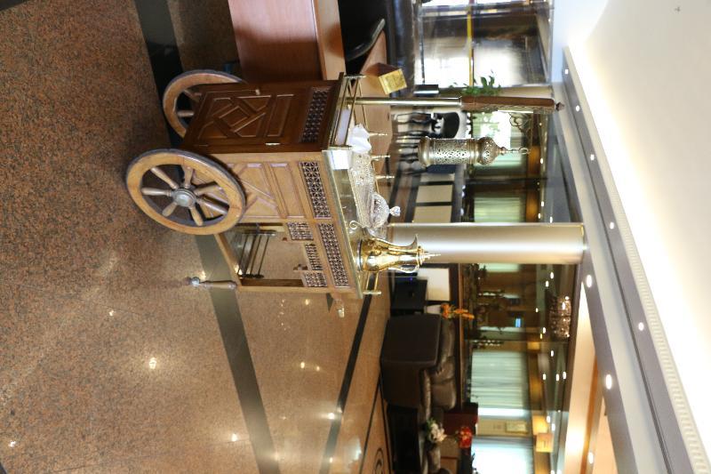Lobby Pars International Hotel