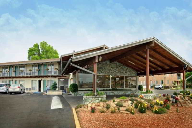 General view Americas Best Value Lamplighter Inn
