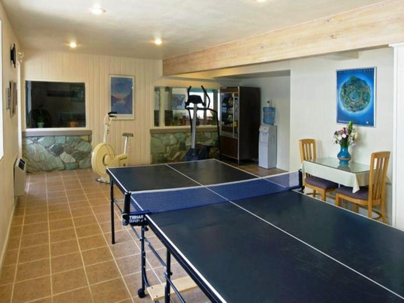 Sports and Entertainment Americas Best Value Lamplighter Inn