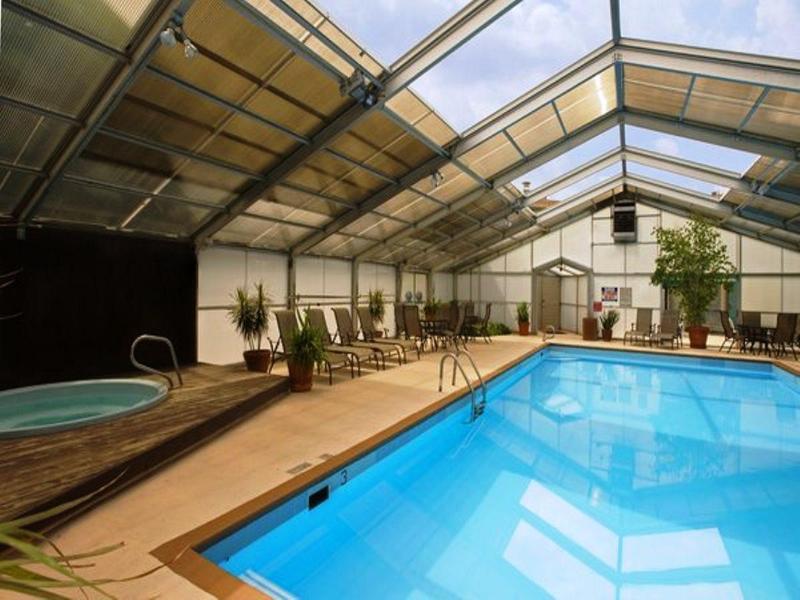 Pool Americas Best Value Lamplighter Inn