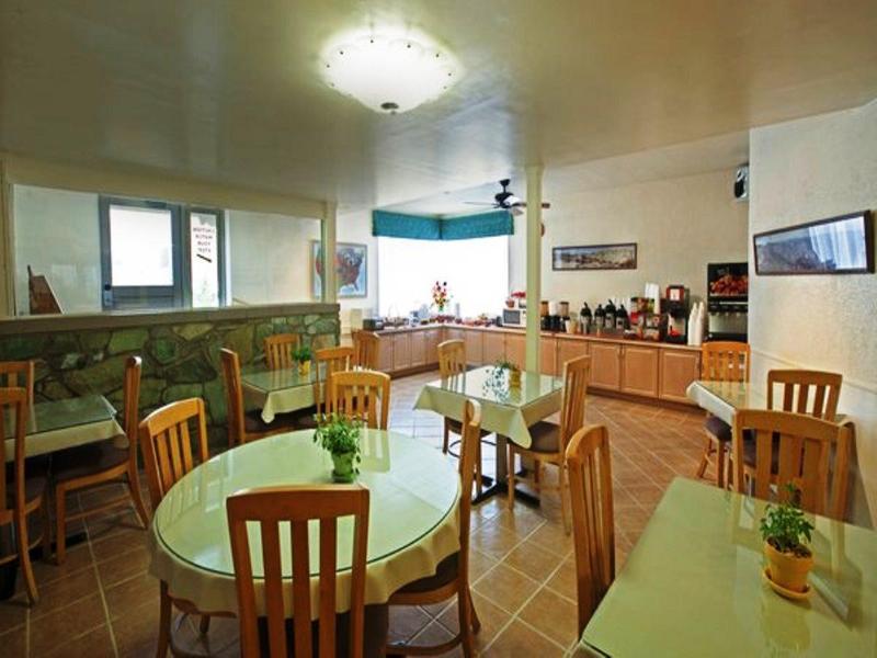 Restaurant Americas Best Value Lamplighter Inn