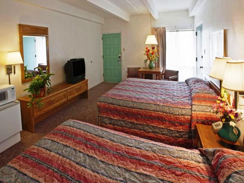 Room Americas Best Value Lamplighter Inn