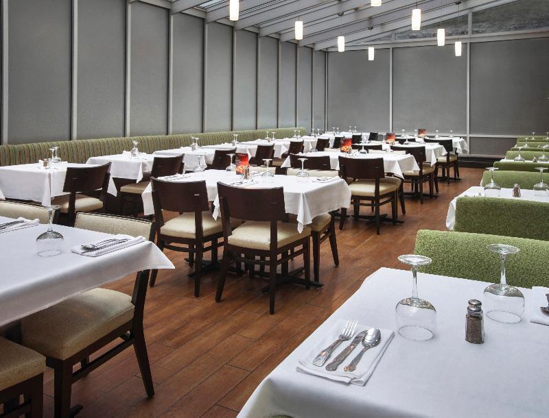 Restaurant Holiday Inn Manhattan 6th Avenue