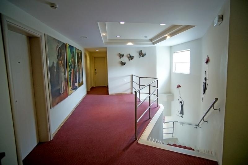 Lobby Apollo Resort Art