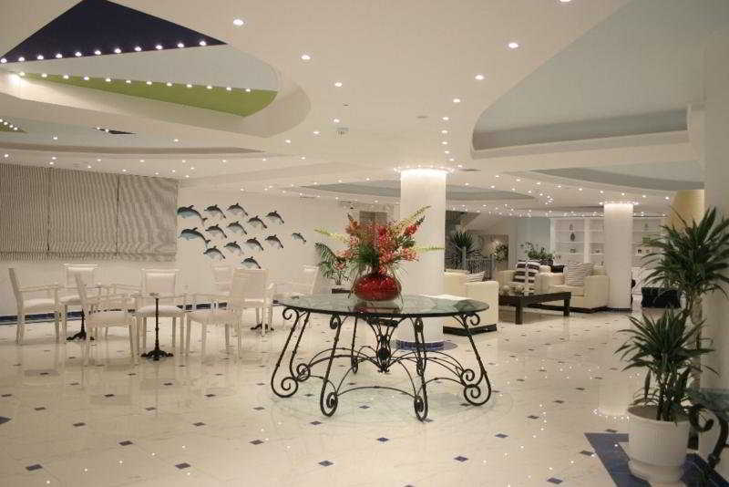 Lobby Belvedere Gerakas Lux. Suites