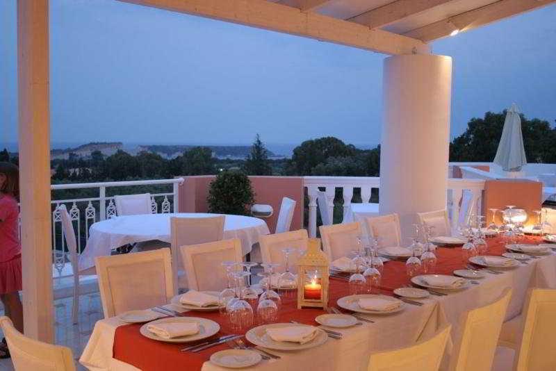 Restaurant Belvedere Gerakas Lux. Suites