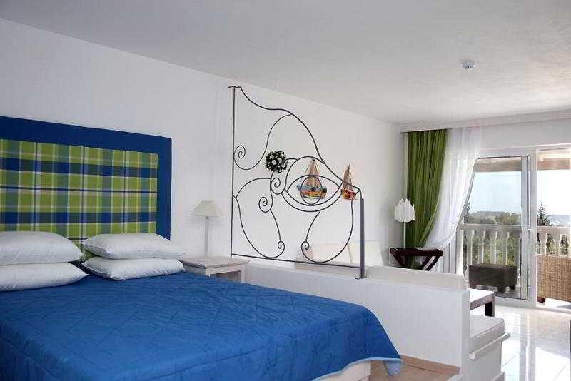Room Belvedere Gerakas Lux. Suites