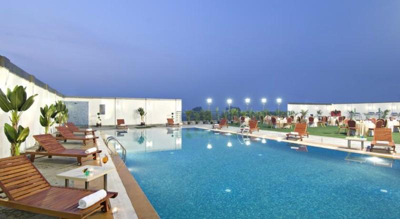 Pool Mind Space Hotel Pune