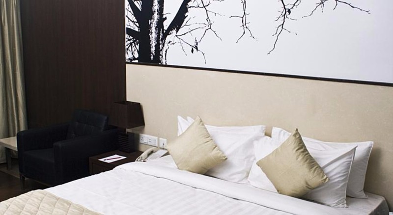 Room Mind Space Hotel Pune
