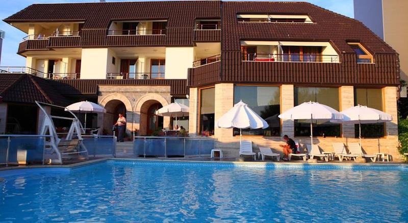 Pool Oaz
