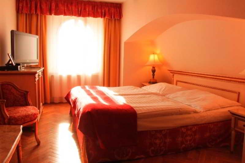 Room Residence Green Lobster