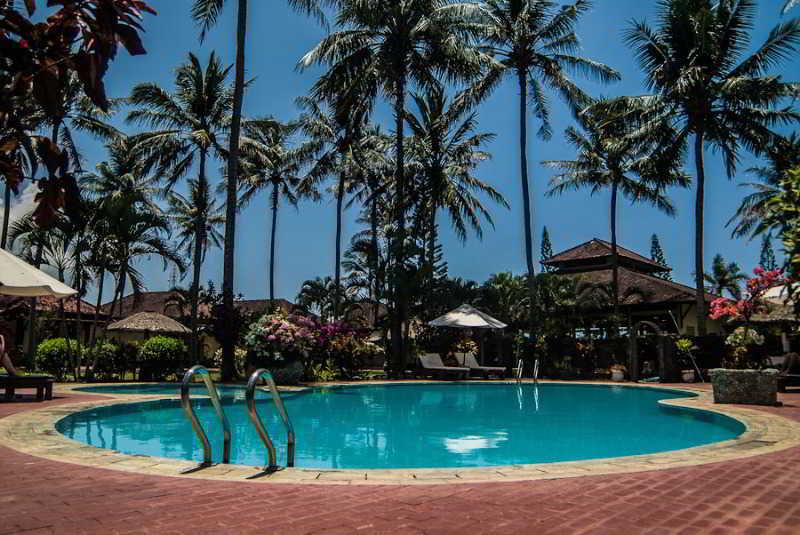 Kuta Indah Hotel & Restaurant - Pool - 1