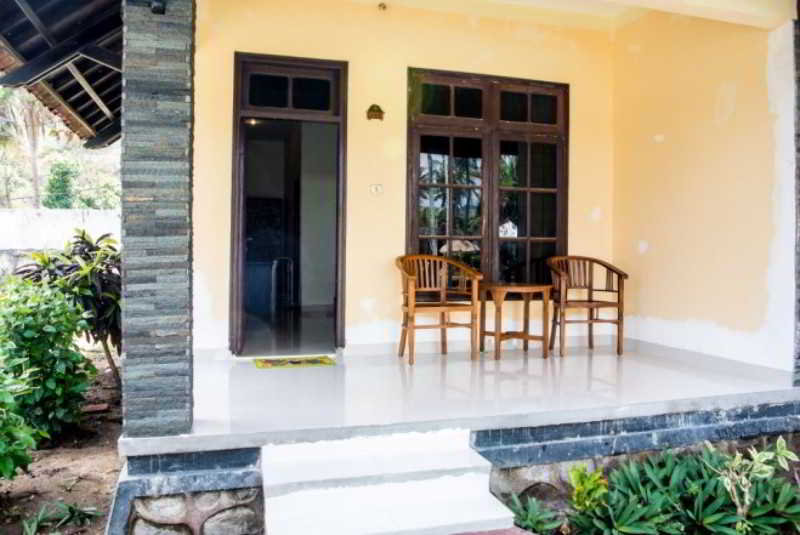 Kuta Indah Hotel & Restaurant - Room - 5