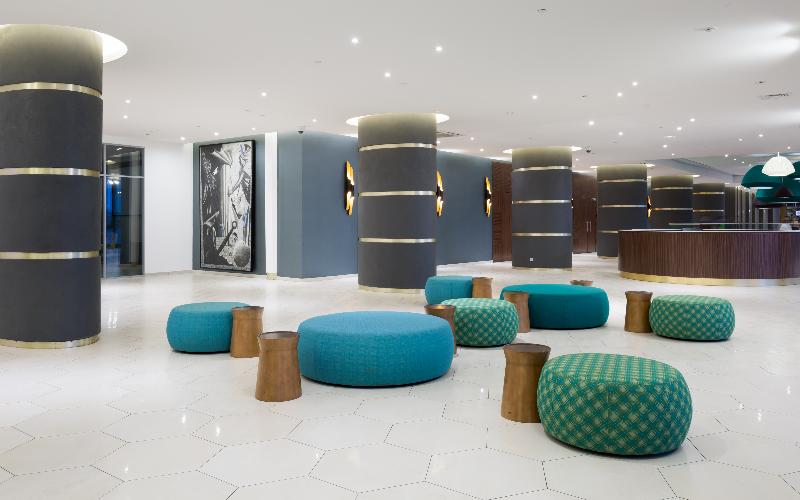 Lobby Saint Petersburg Hotel