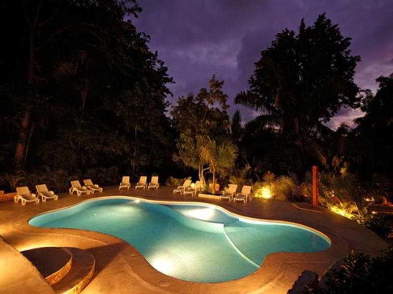 Pool Esencia