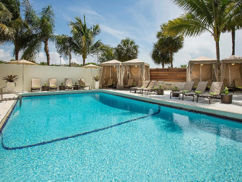 Pool Aloft Miami Dadeland