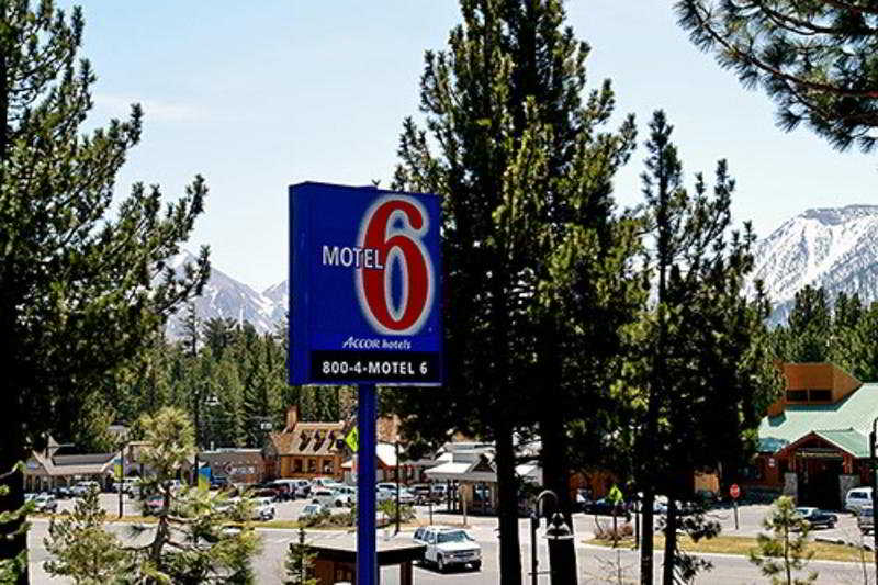 General view Motel 6 Mammoth Lakes
