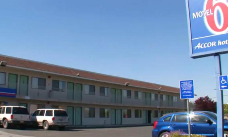 General view Motel 6 Bakersfield Airport