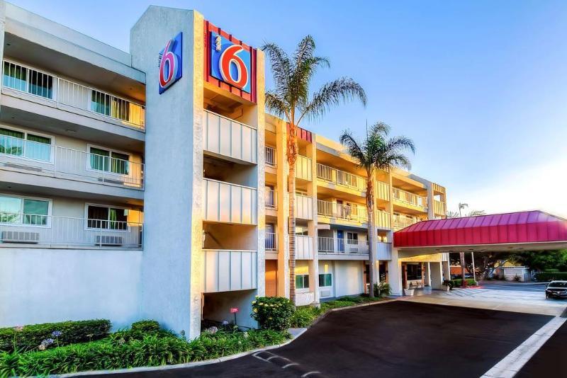 Motel 6 Anaheim Maingate Foto 12