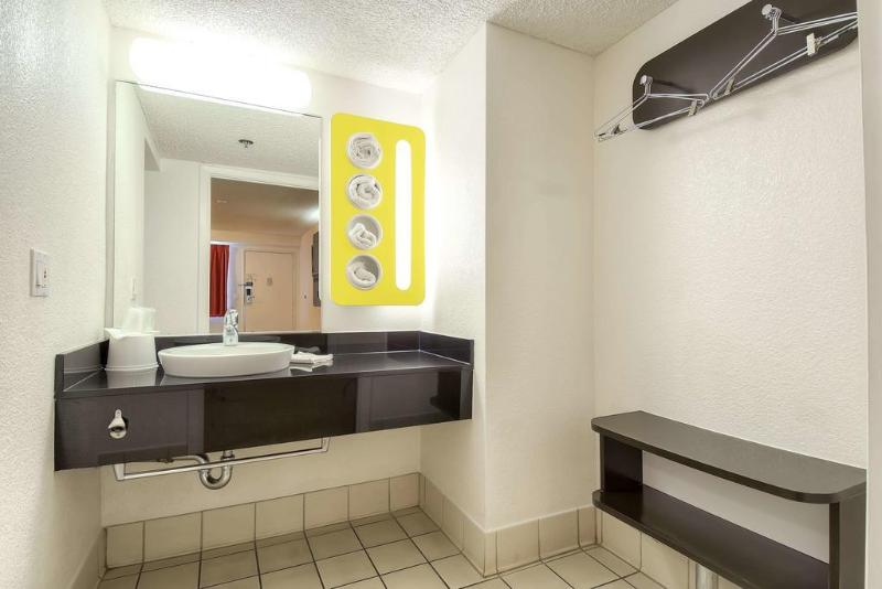 Motel 6 Anaheim Maingate Foto 14
