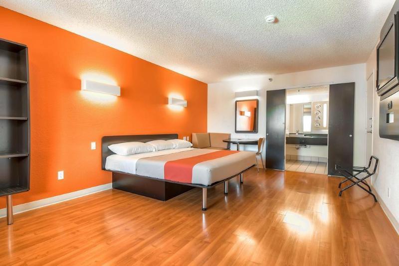 Motel 6 Anaheim Maingate Foto 22
