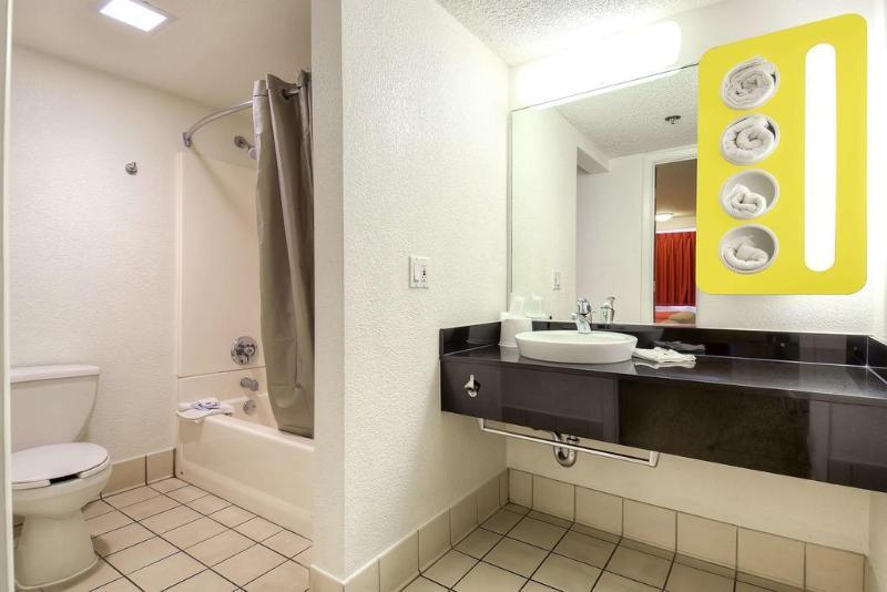 Motel 6 Anaheim Maingate Foto 30
