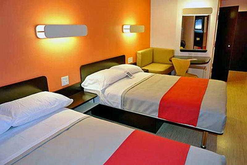 Motel 6 Anaheim Maingate Foto 34