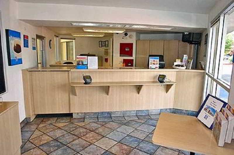 Lobby Motel 6 Reno Livestock Events Center