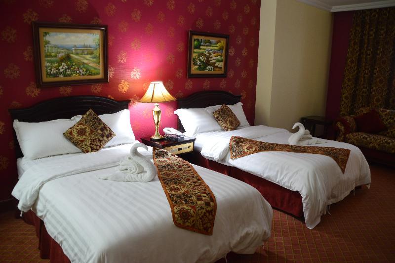Room Golden Hotel