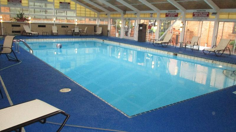 Pool Best Western Williamsburg Historic District