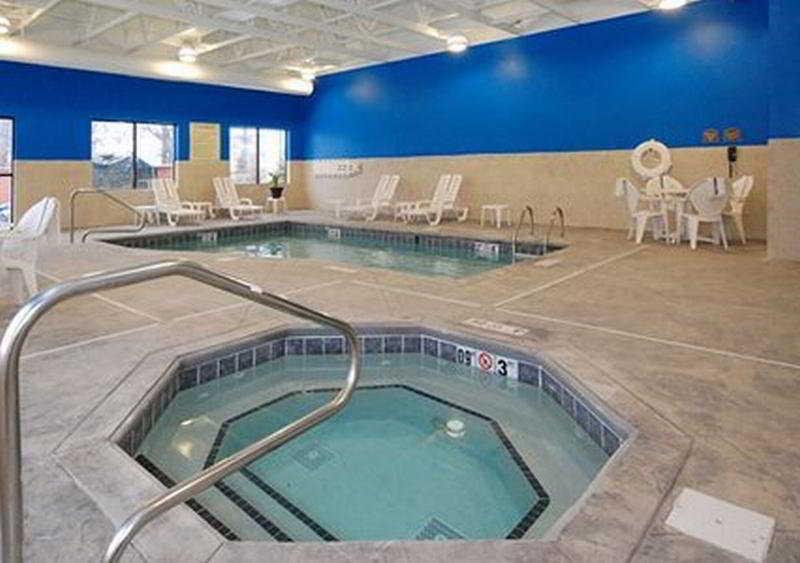 Pool Comfort Suites