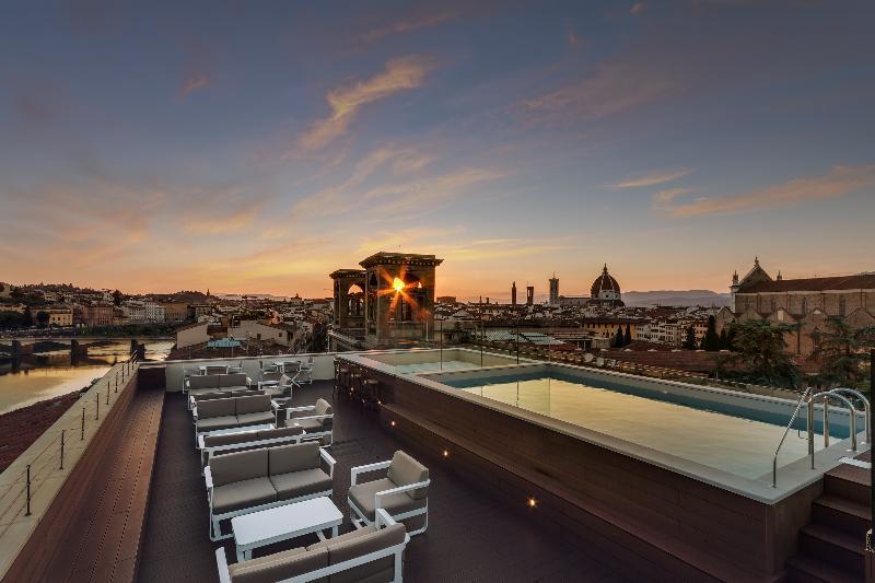 Terrace Plaza Lucchesi