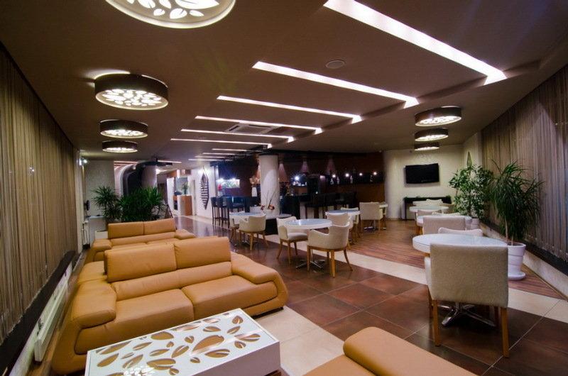 Roof Garden Hotel - Bar - 2