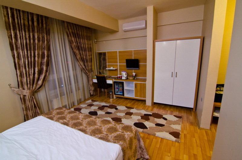 Roof Garden Hotel - Room - 1