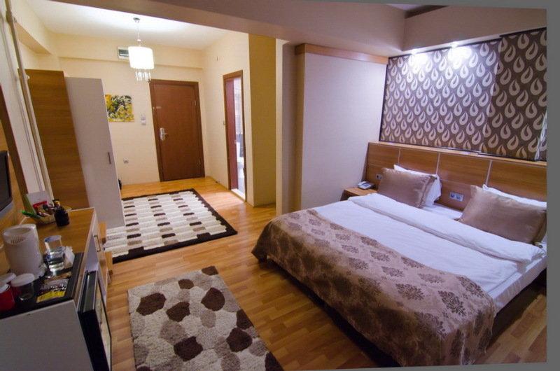Roof Garden Hotel - Room - 5