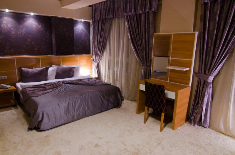 Roof Garden Hotel - Room - 4