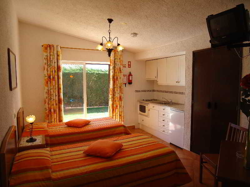 Canavial I & II Apartments