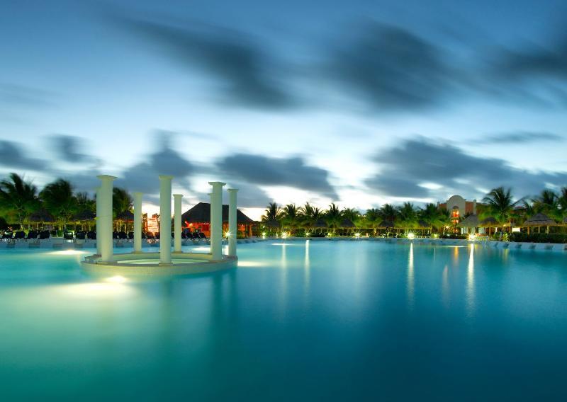 General view Grand Palladium Kantenah Resort & Spa