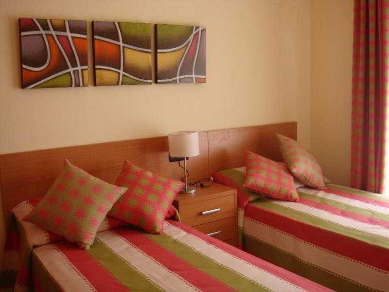 Room Residencial Golden Beach