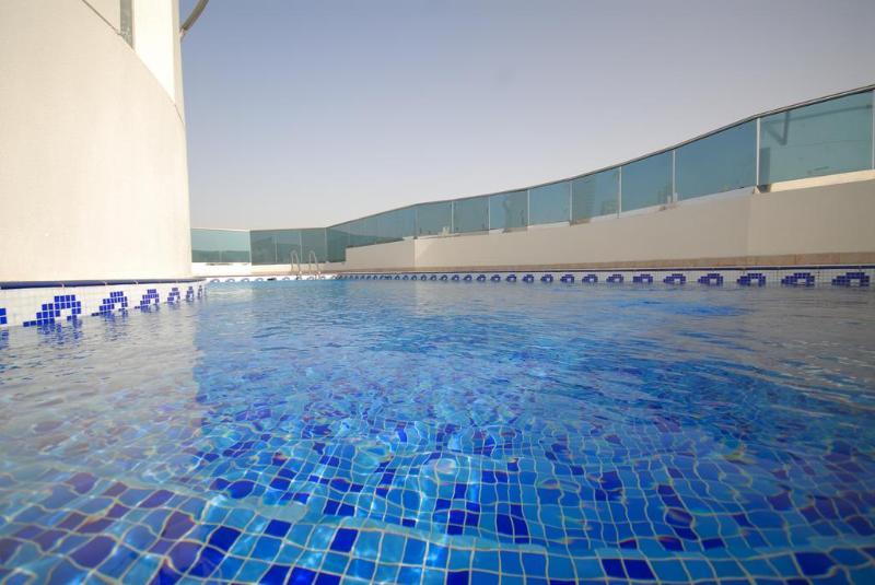 Pool Xclusive Hotel Apartment