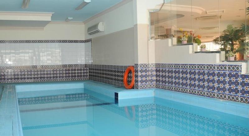 Pool Boudl Corniche