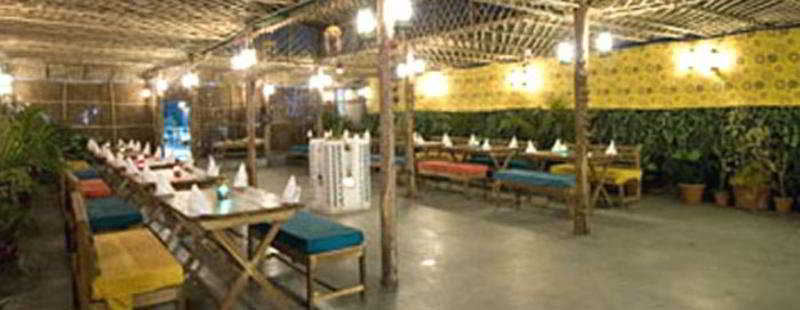 Clarks Inn Pacific Mall Sahibabad - Pool - 2