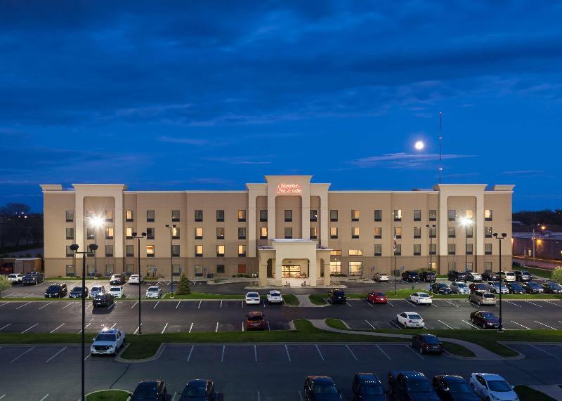 General view Hampton Inn & Suites Cedar Rapids North