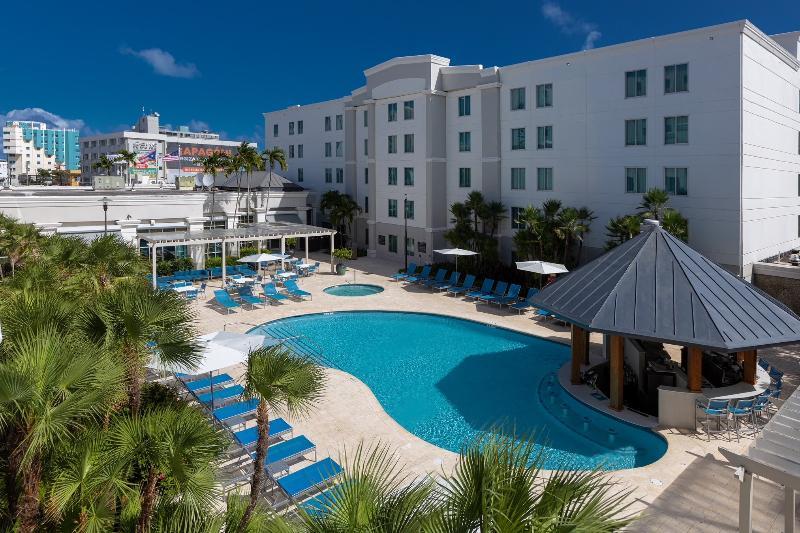 Pool Hampton Inn & Suites San Juan
