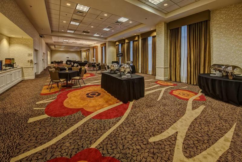 Sports and Entertainment Hilton Garden Inn New Orleans Convention Cente