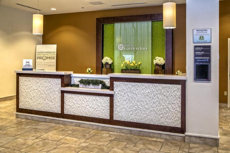 Lobby Hilton Garden Inn New Orleans Convention Cente